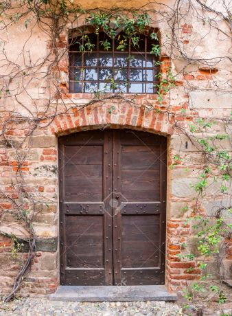 Saluzzo old door
